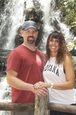 Brian and Melissa pose for a couples photoshoot!